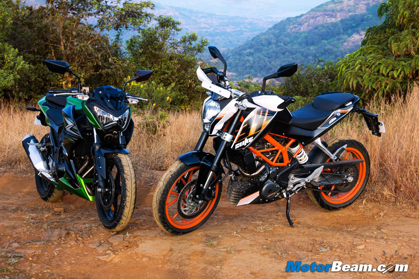 KTM Duke 390 vs Kawasaki Z250 Review
