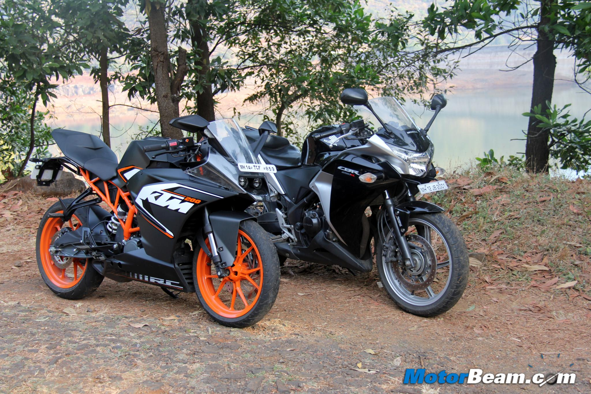 Bajaj pulsar rs200 vs ktm rc200 vs honda cbr250r comparison youtube - Ktm Rc 200 Vs Honda Cbr250r Comparison