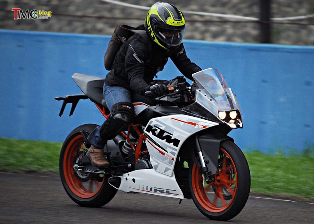 KTM RC 250 First Ride Impressions