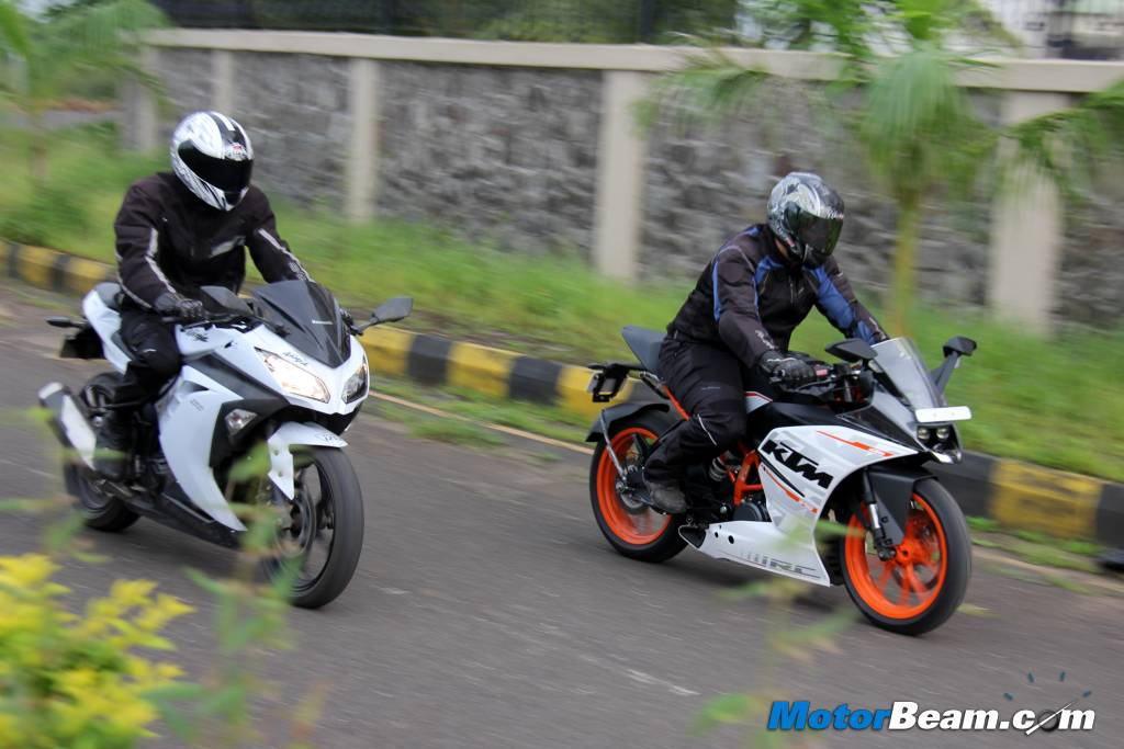 KTM RC 390 vs Kawasaki Ninja 300 Acceleration