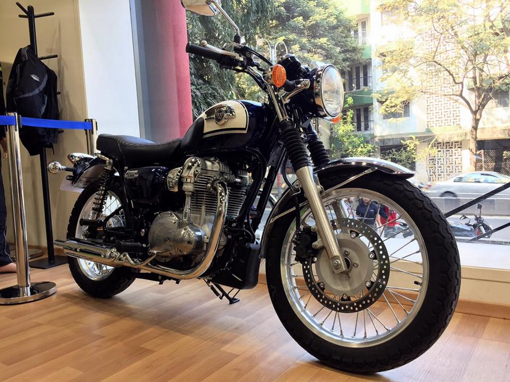 Kawasaki W800 Spotted At Dealership Could Be Launched In India