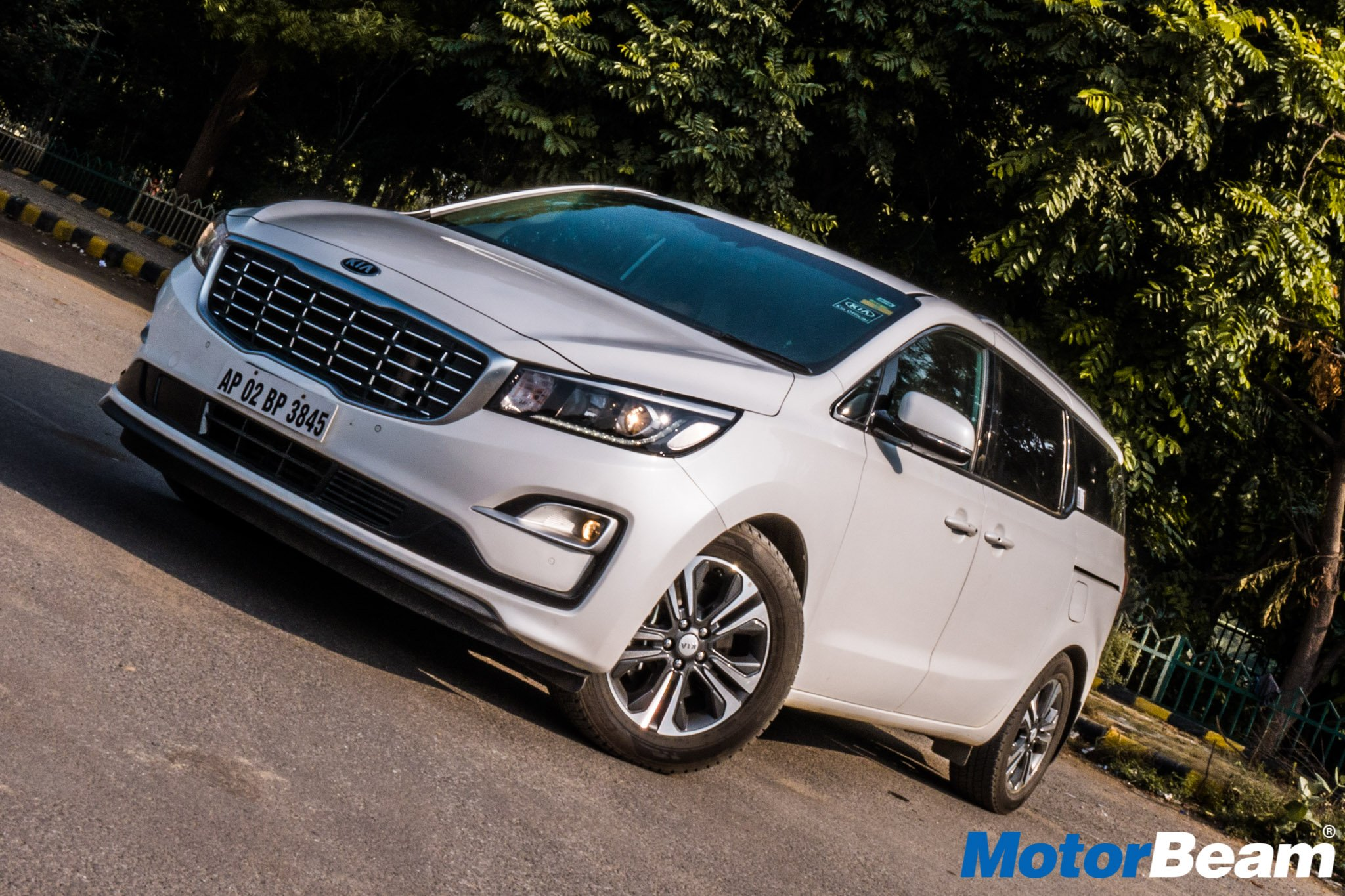 Kia Carnival Review