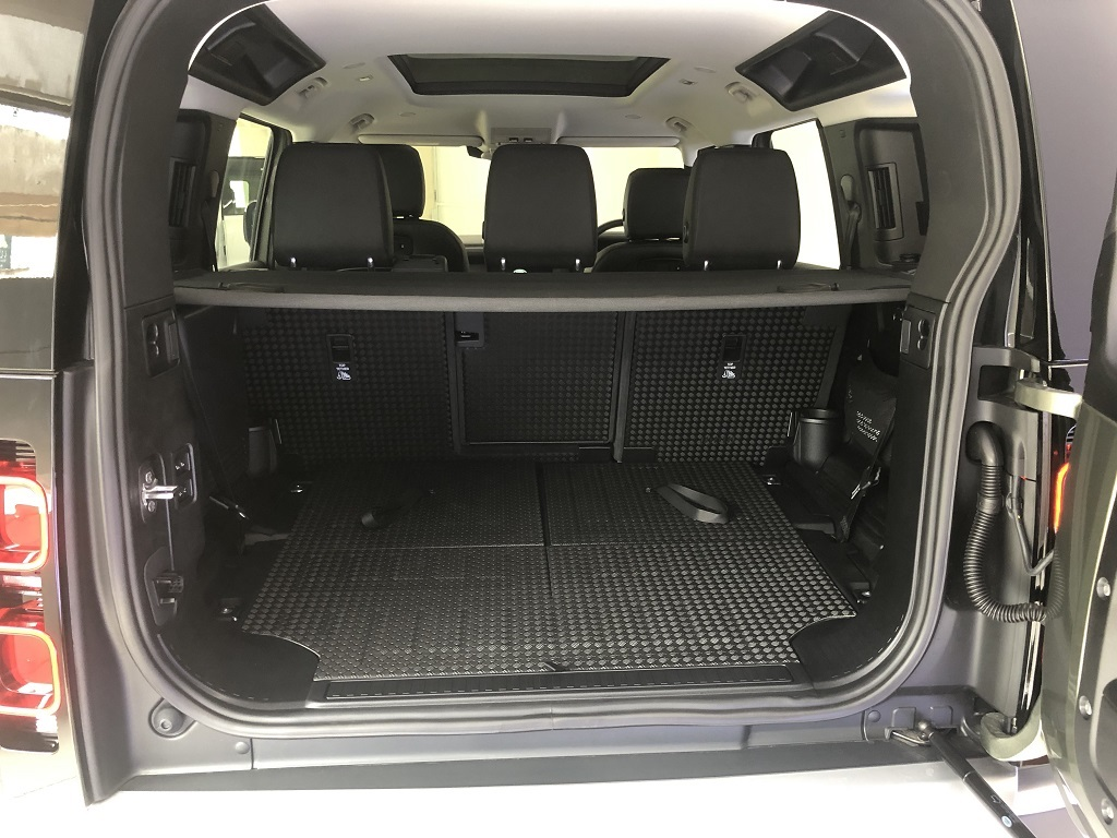 Land Rover Defender 110 Boot