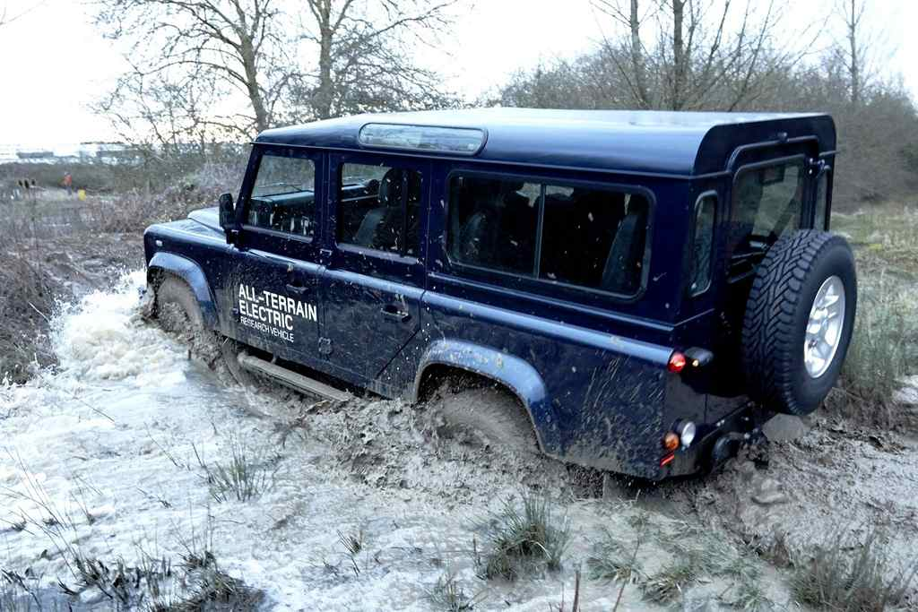 Land Rover Defender Electric side