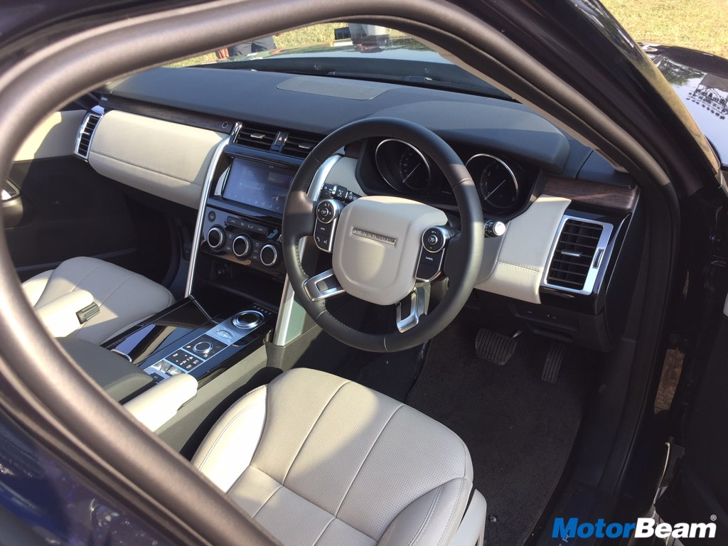 Land Rover Discovery 5 Dashboard