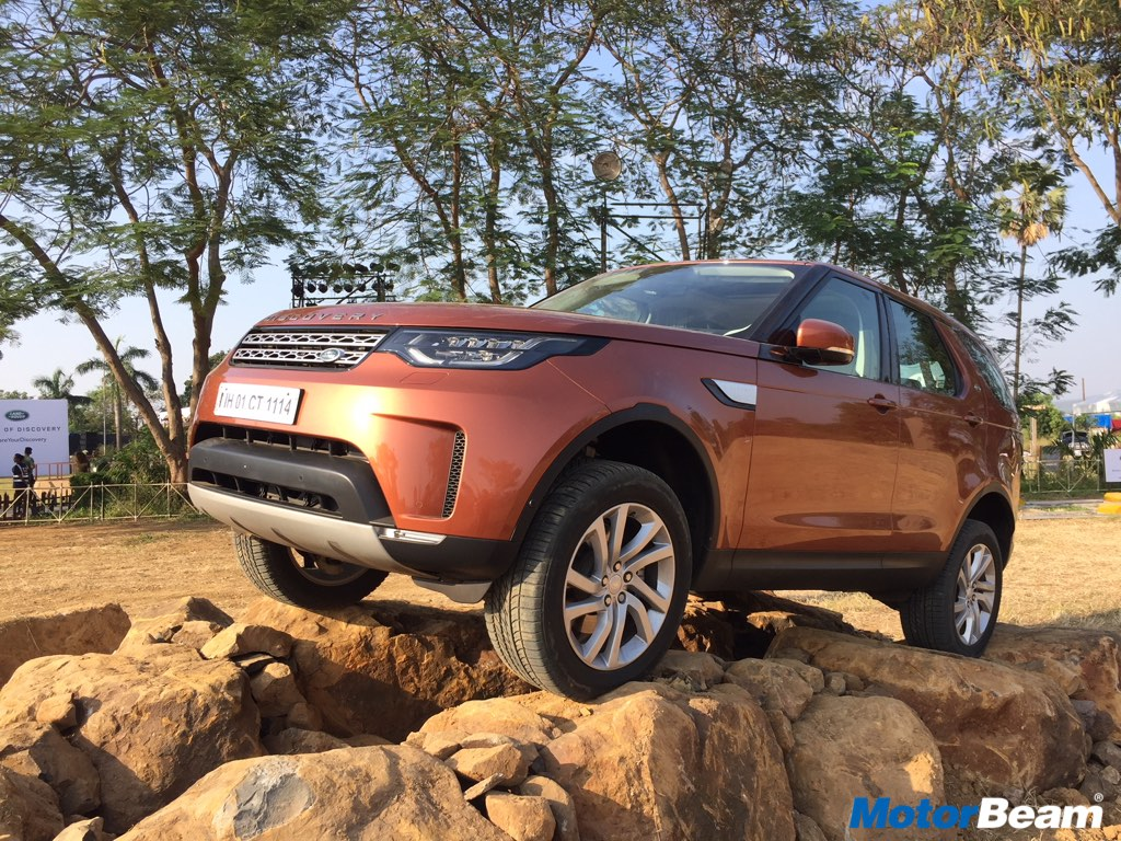 land rover discovery 5 launched priced from rs lakhs auto breaking news. Black Bedroom Furniture Sets. Home Design Ideas