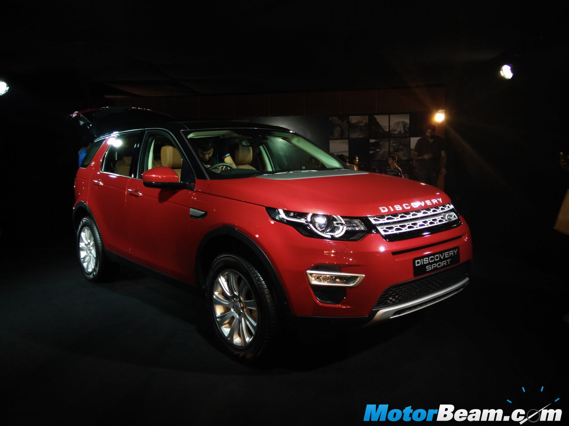 land rover discovery sport 2 0 ingenium launched in india auto breaking news. Black Bedroom Furniture Sets. Home Design Ideas