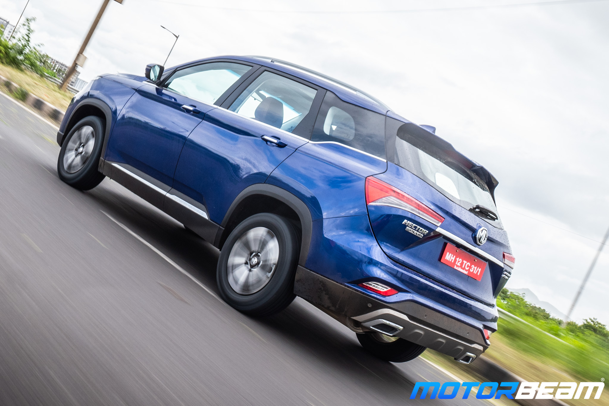 MG-Hector-Plus-30