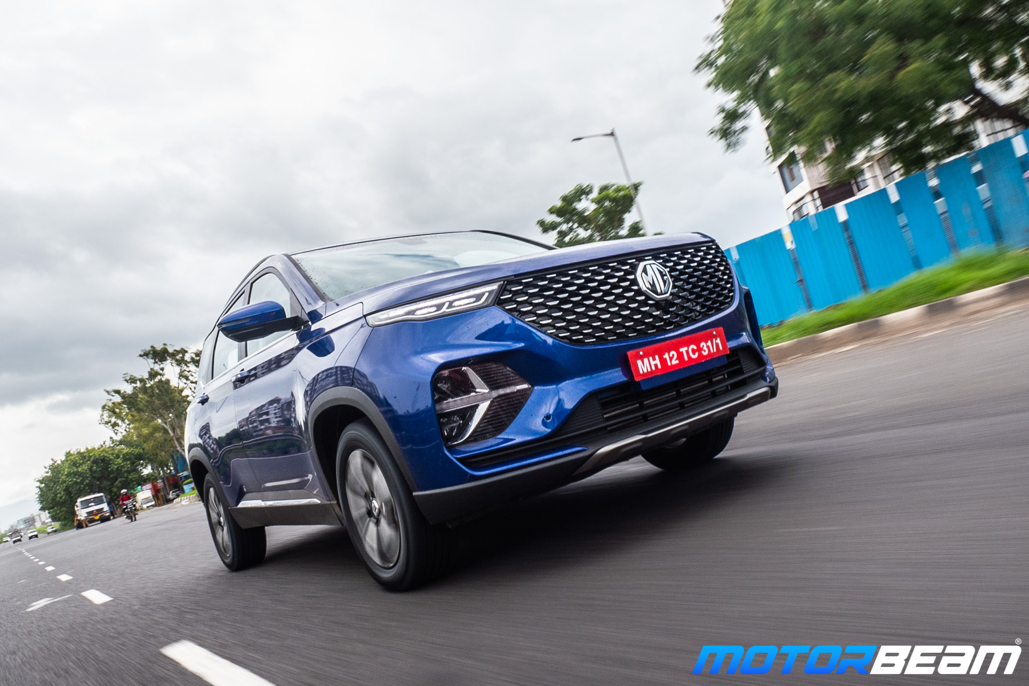 MG-Hector-Plus-32