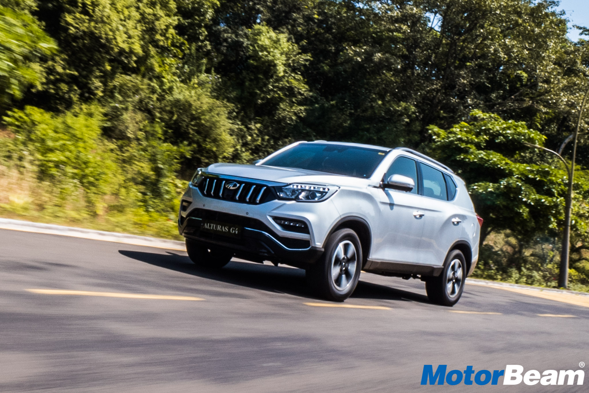 Mahindra Alturas G4 Video Review