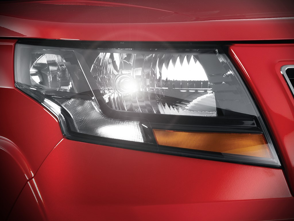 Mahindra TUV300 T10 Headlight