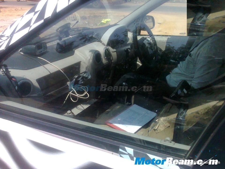 Mahindra Verito CS spy interior