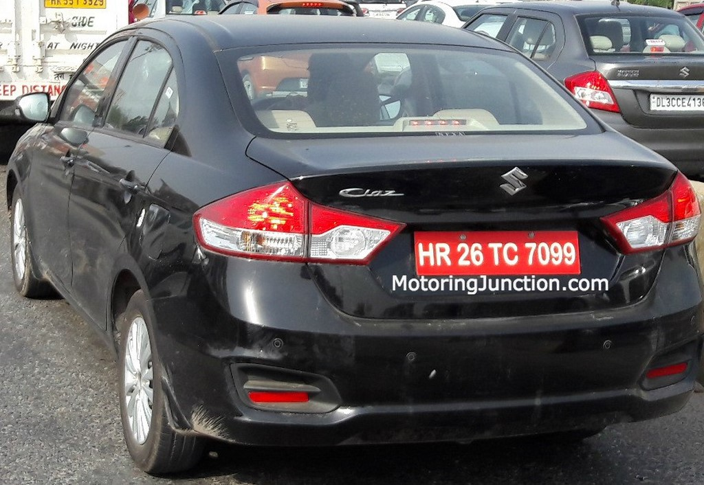 Maruti Ciaz Facelift Rear Spied
