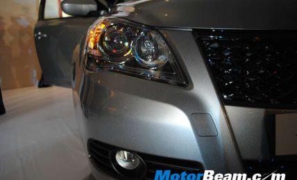 Maruti_Kizashi_Head_Lights