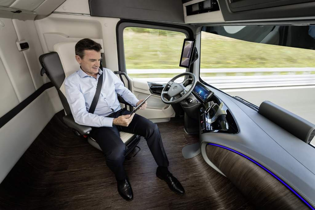 Mercedes Shows Future Of Trucking With 'Future Truck 2025' Concept