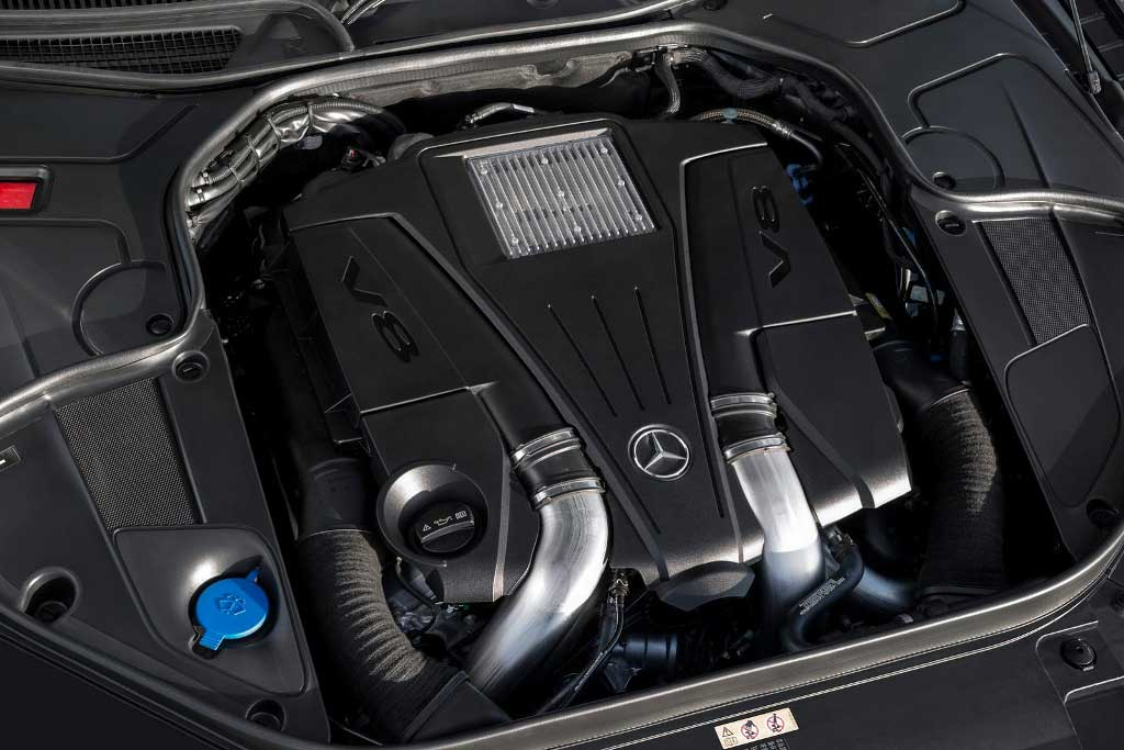 Mercedes S-Class Coupe V8 Engine