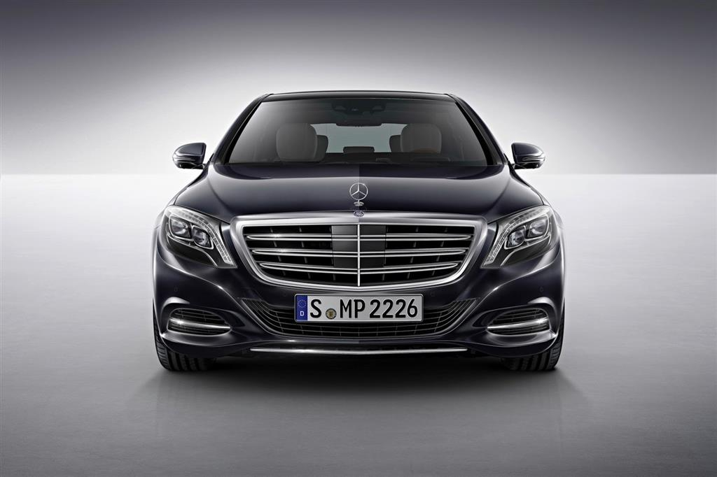 Mercedes S600 Front