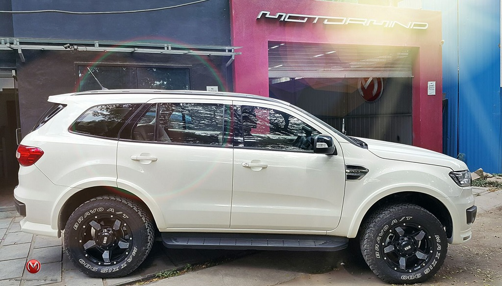 Motormind Auotmotive Designs Ford Endeavour Side