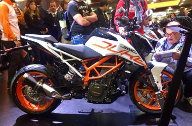 2017 KTM Duke 390 White Colour Launched By Mistake In India