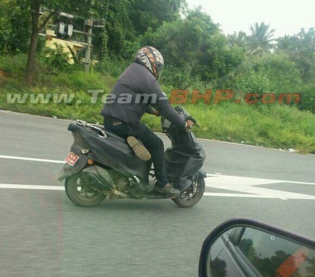 2018 Honda Dio Spotted Testing In India Motorbeam Bike Stickers Design New Scooter Spied