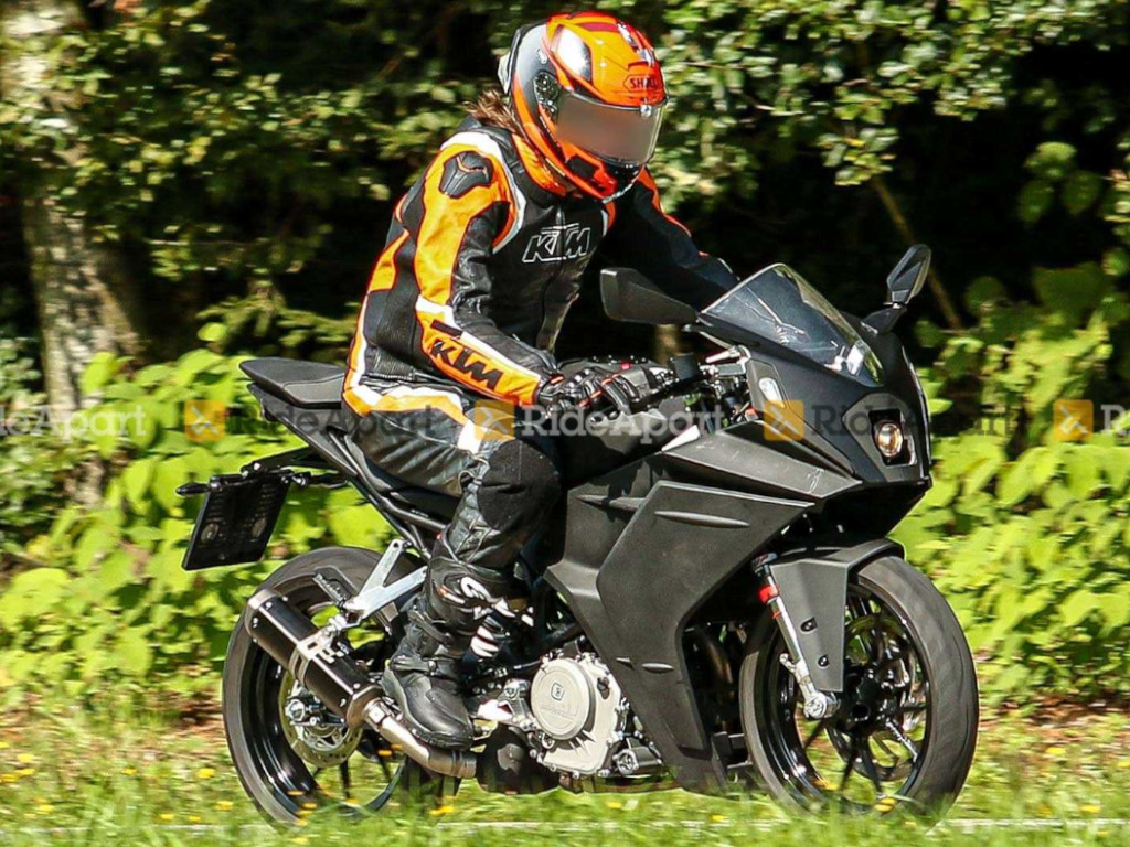 New KTM RC 390 Spied On Test