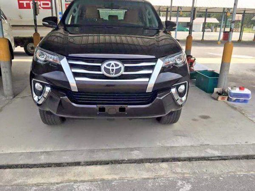 Next Generation Toyota Fortuner Undisguised