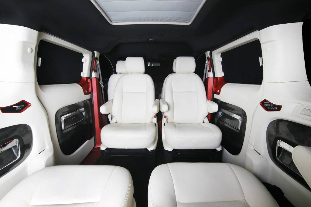 Nissan Evalia Lounge Seating