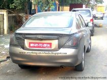 Nissan_Sunny_Spied