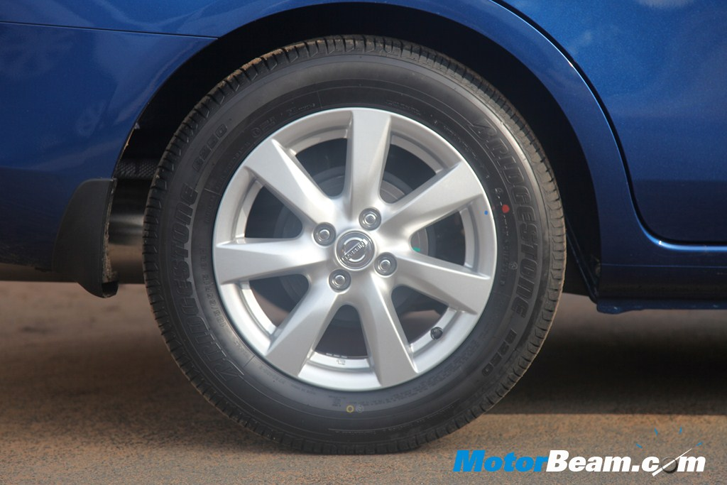 Nissan Sunny - Tyres
