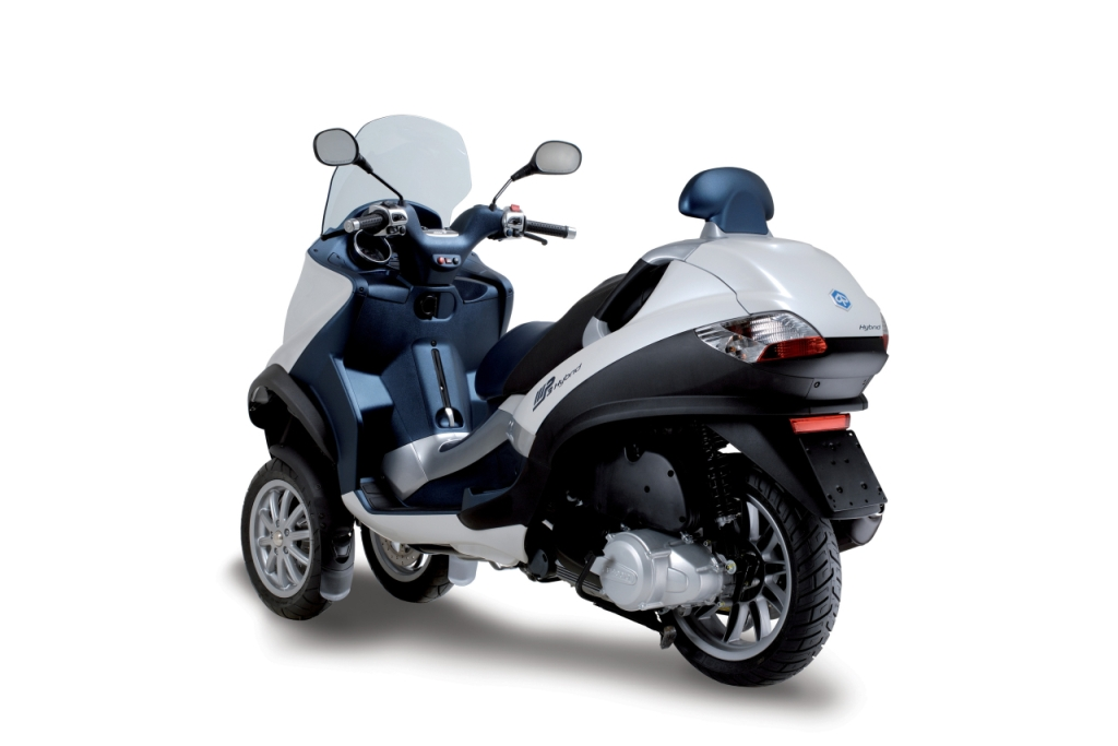 piaggio imports mp3 hybrid 125 scooter in india for r&d
