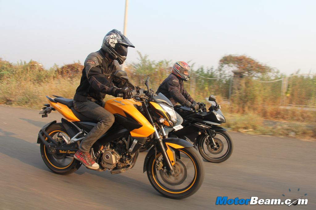 Pulsar 200 NS vs Yamaha R15 Comparison