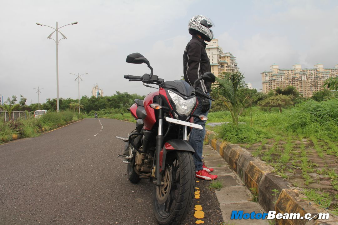 Pulsar 200NS Review