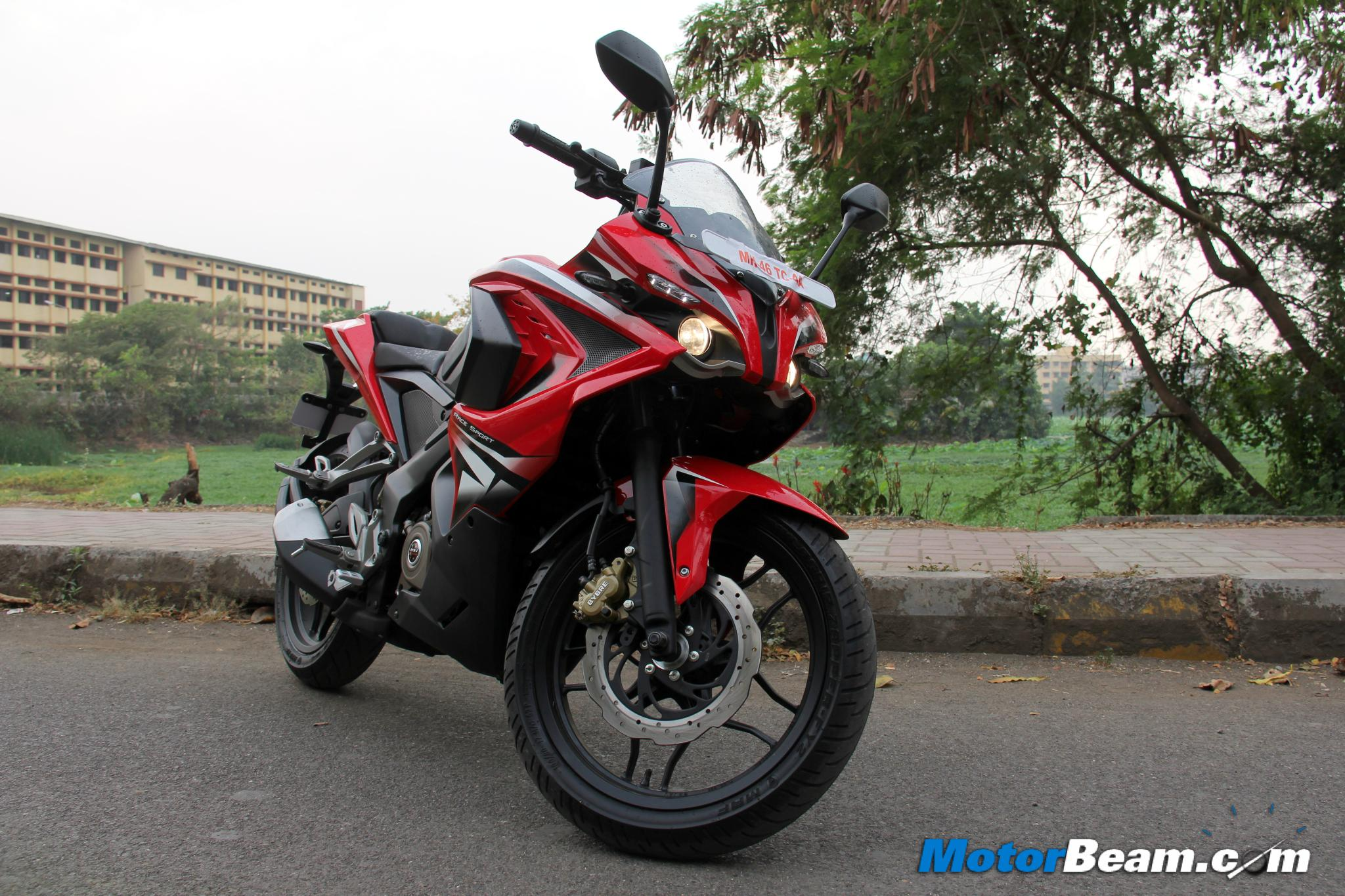 Pulsar RS 200 Road Test