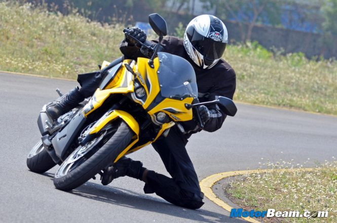 Pulsar RS 200 Track Review