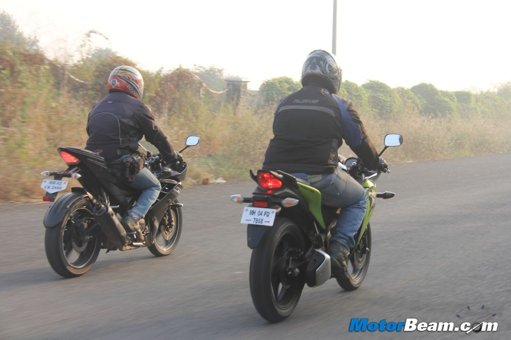 R15 vs CBR150R Review