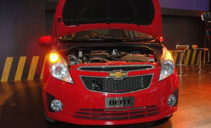 Red_Chevrolet_Beat_Front