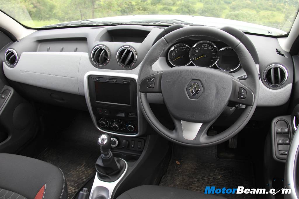 Renault Duster AWD Interiors