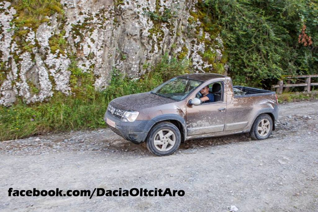 Renault Duster Pickup Spy Shot Romania Front