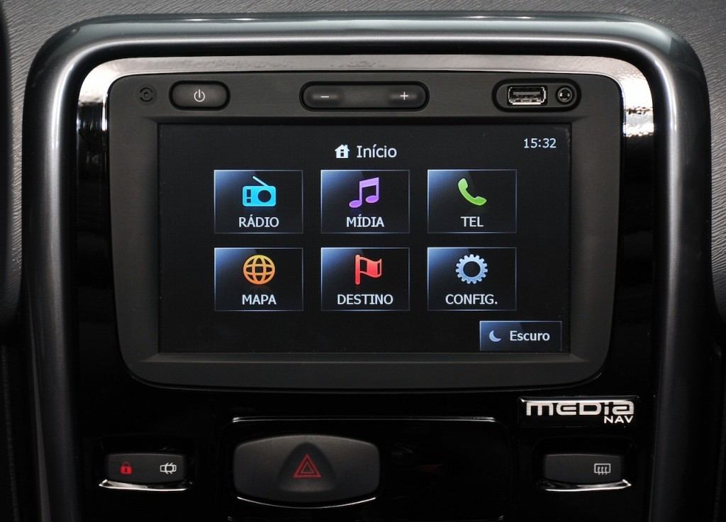 Renault Duster Road Tech II Edition Multimedia System