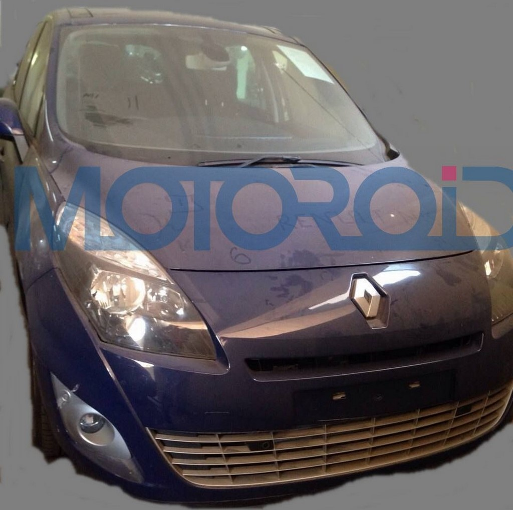 Renault Grand Scenic Spied India