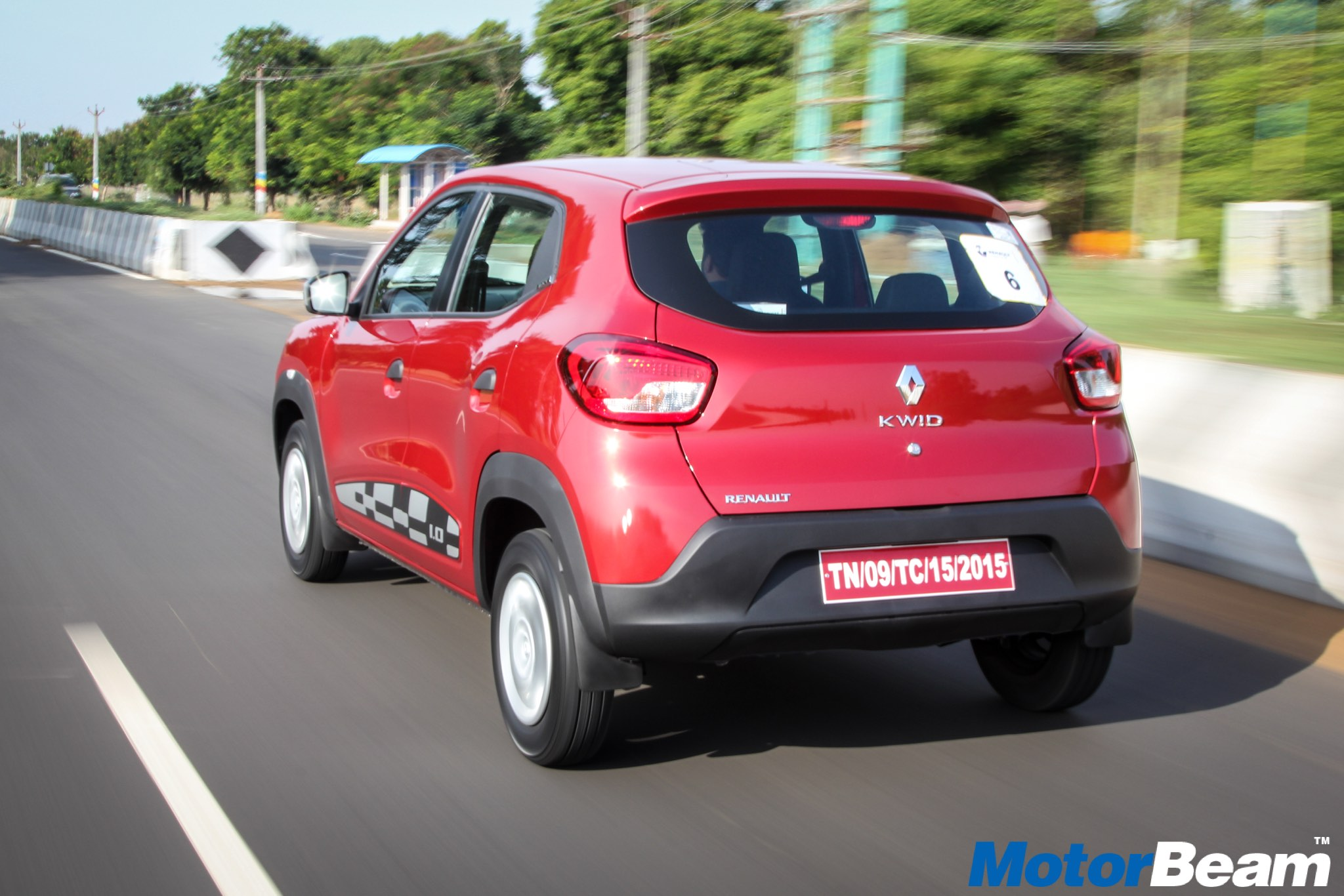 renault kwid 1 0 l packing more power and punch car whoops. Black Bedroom Furniture Sets. Home Design Ideas