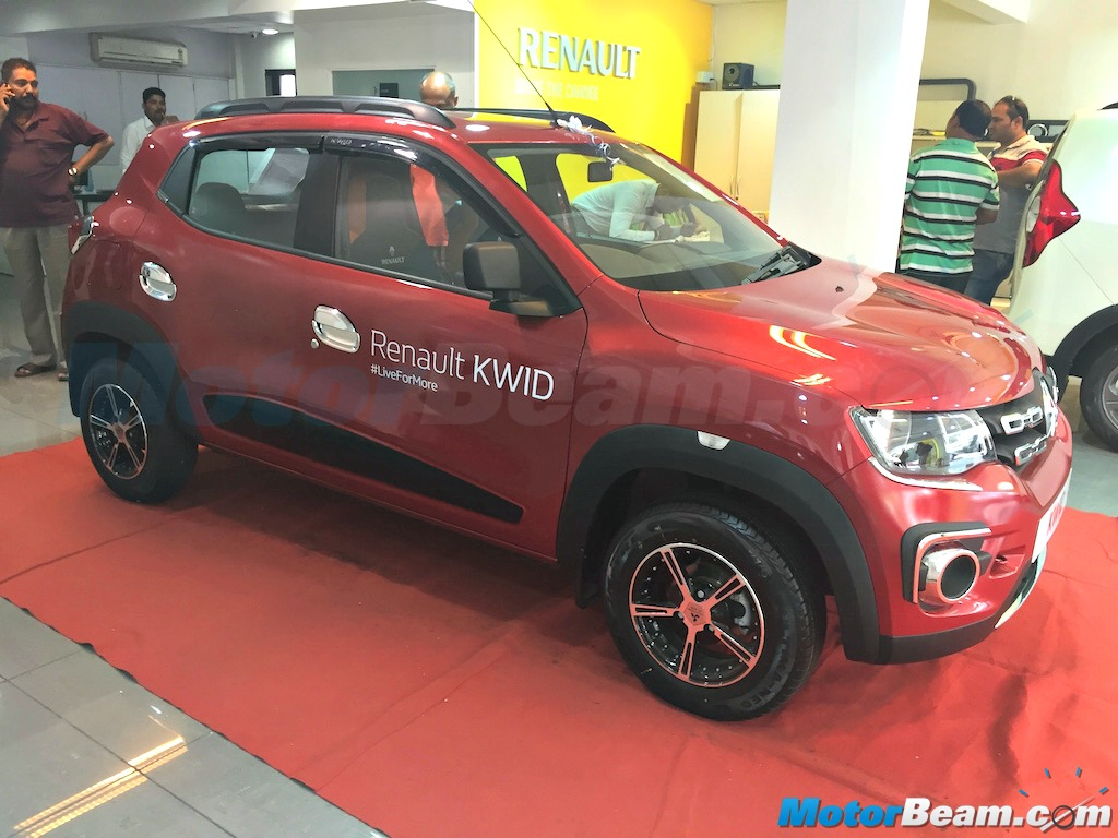 Renault Offers Chrome Induced Accessories For Kwid At Dealerships