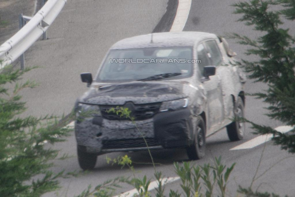 Renault Low Cost Crossover Spied