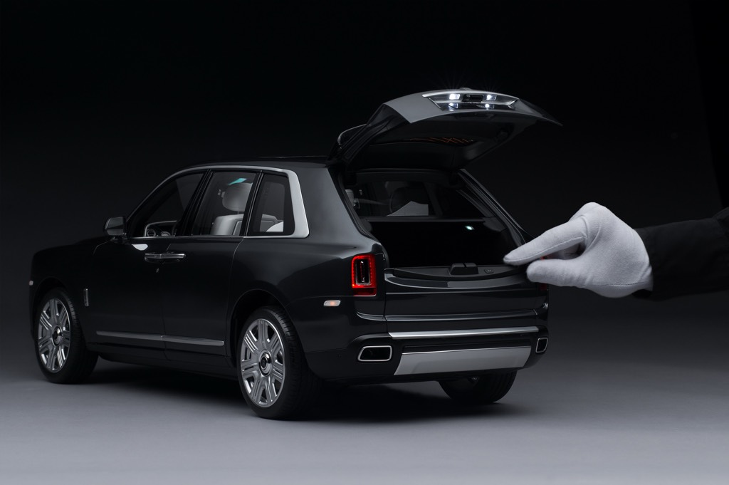 Rolls-Royce Cullinan Scale Model