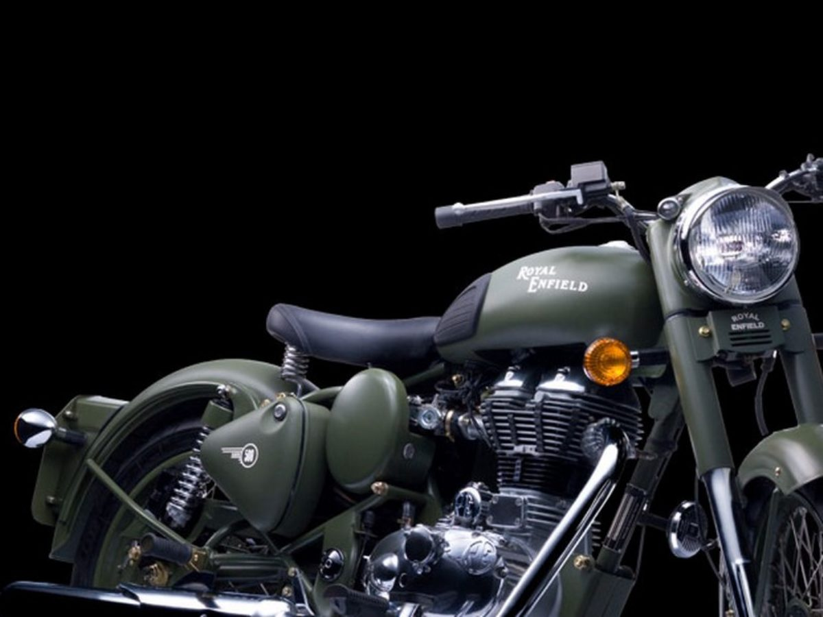 Royal Enfield Classic 500 Battle Green Spotted In Bangalore Dealership Motorbeam
