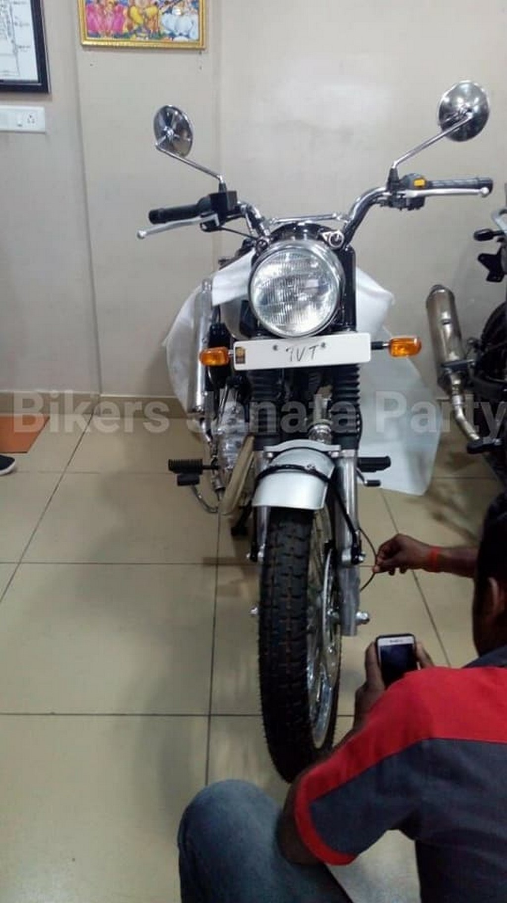 Royal Enfield Classic 500 Scrambler Spotted Motorbeam