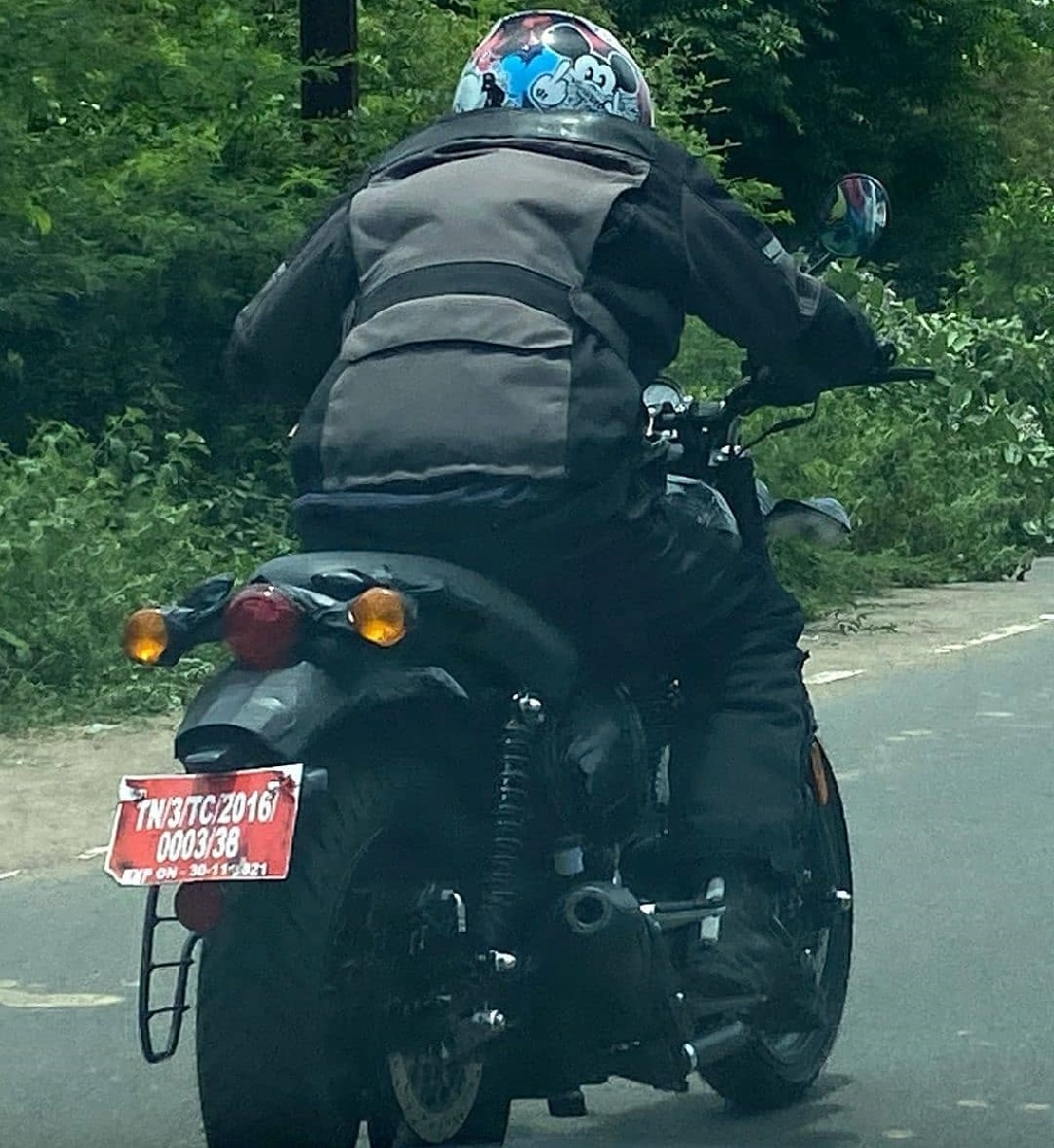Royal Enfield Hunter 350 Spotted Rear
