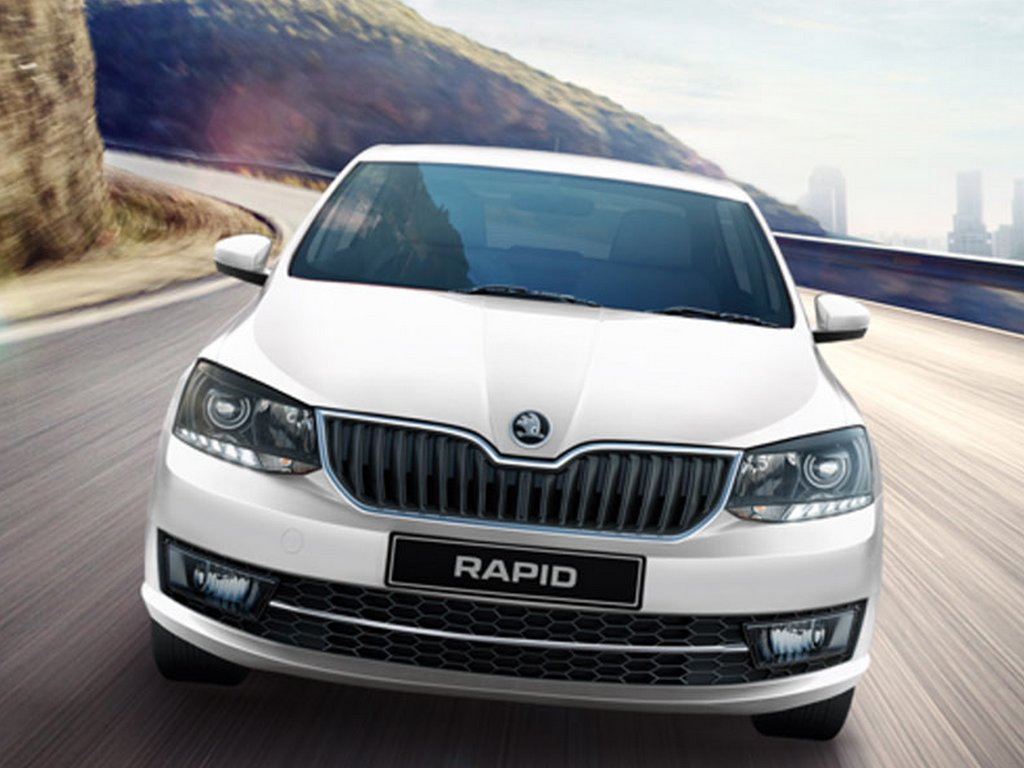Skoda Rapid AT Price