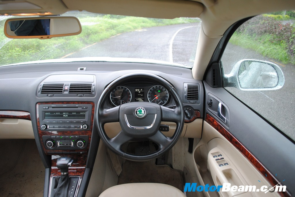 Skoda_Laura_DSG_AT_Test_Drive_Review (241)