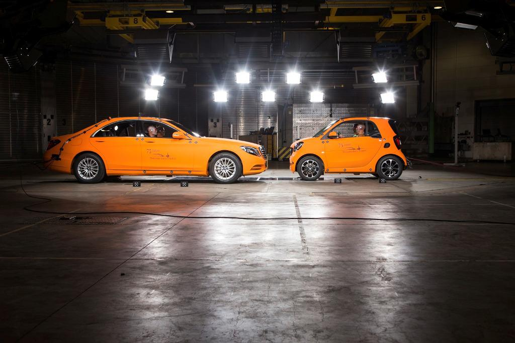 Smart ForTwo Mercedes S-Class Crash Test Tridion Body Cell